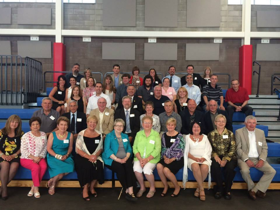 The above picture is the combined Class of 1964 and 1989 reunion in the SJHS Walter Dlubak Athletic Center.